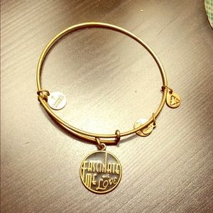 Fascinate me with love bangle